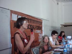 Annette Groth spricht beim Frauenseminar